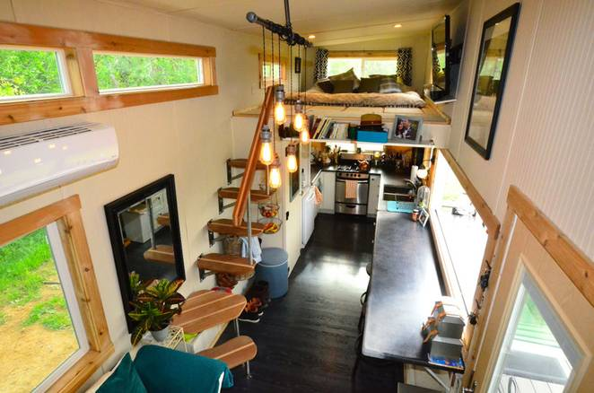 Coronados Own John Weisbarth A Huge Hit on TV Show Tiny House