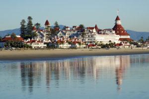 Coronado_del_Hotel_from_the_beach