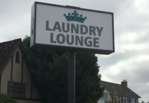 Laundry Lounge sign