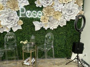 Pose beauty bar