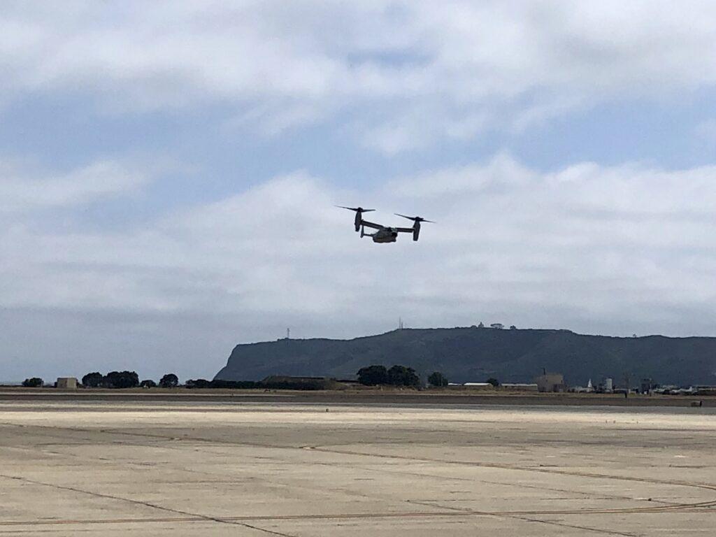CMV-22B Osprey arriving